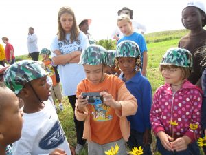 Evelyn Davis Early Learning Academy Students at MWA Restored Prairies & Wetland